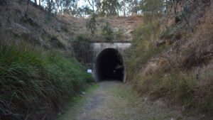 Looking at the entrance of Muntapa Tunnel from the cutting