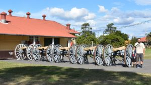 Canons next to the museum and canteen at Fort Lytton