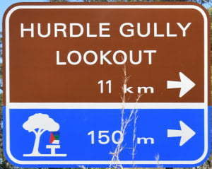 Brown sign for Hurdle Gully Lookout