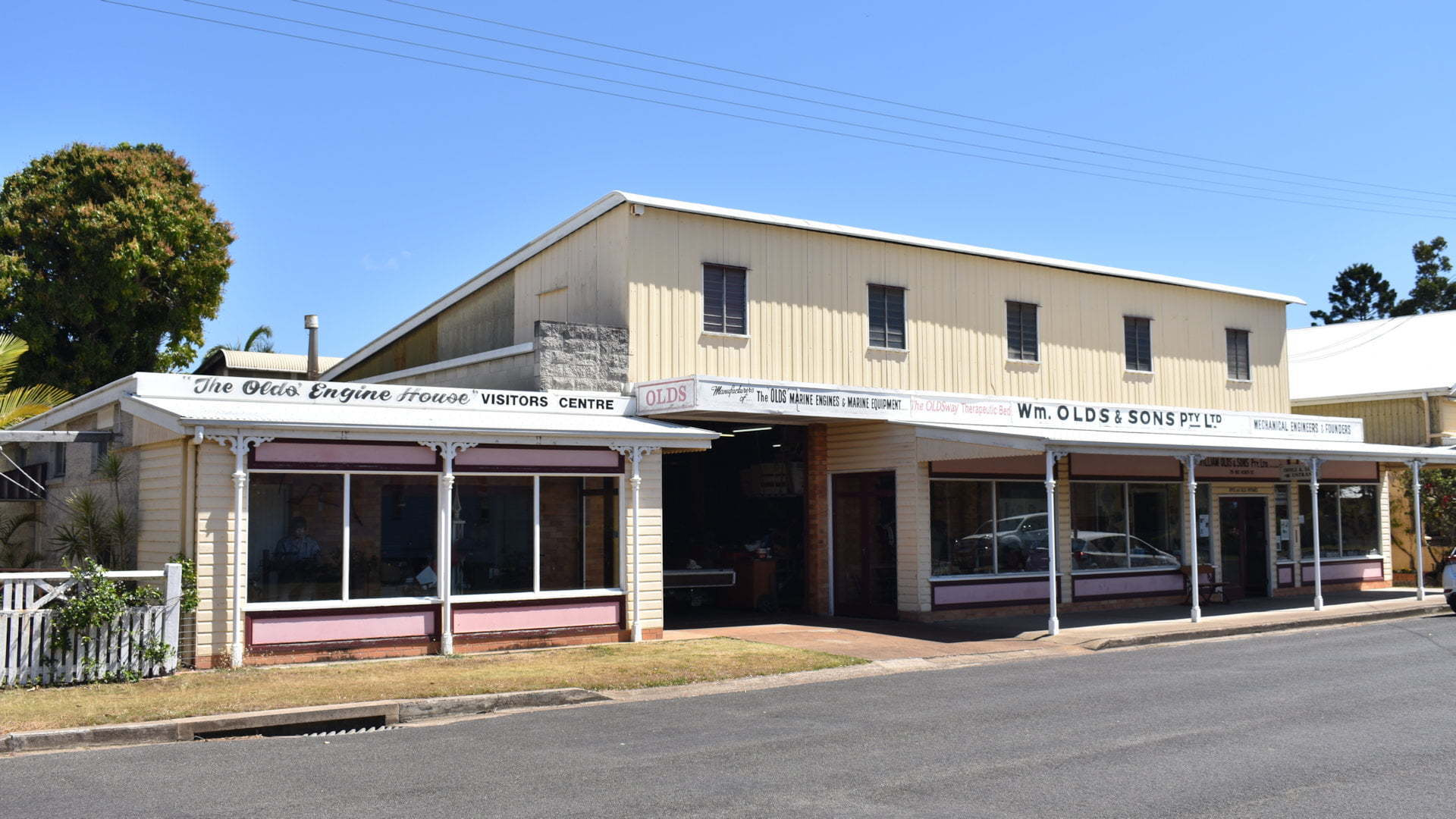 Shop front of OLDS Engine House in Maryborough