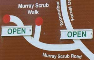 Brown sign for Murray Scrub Walk