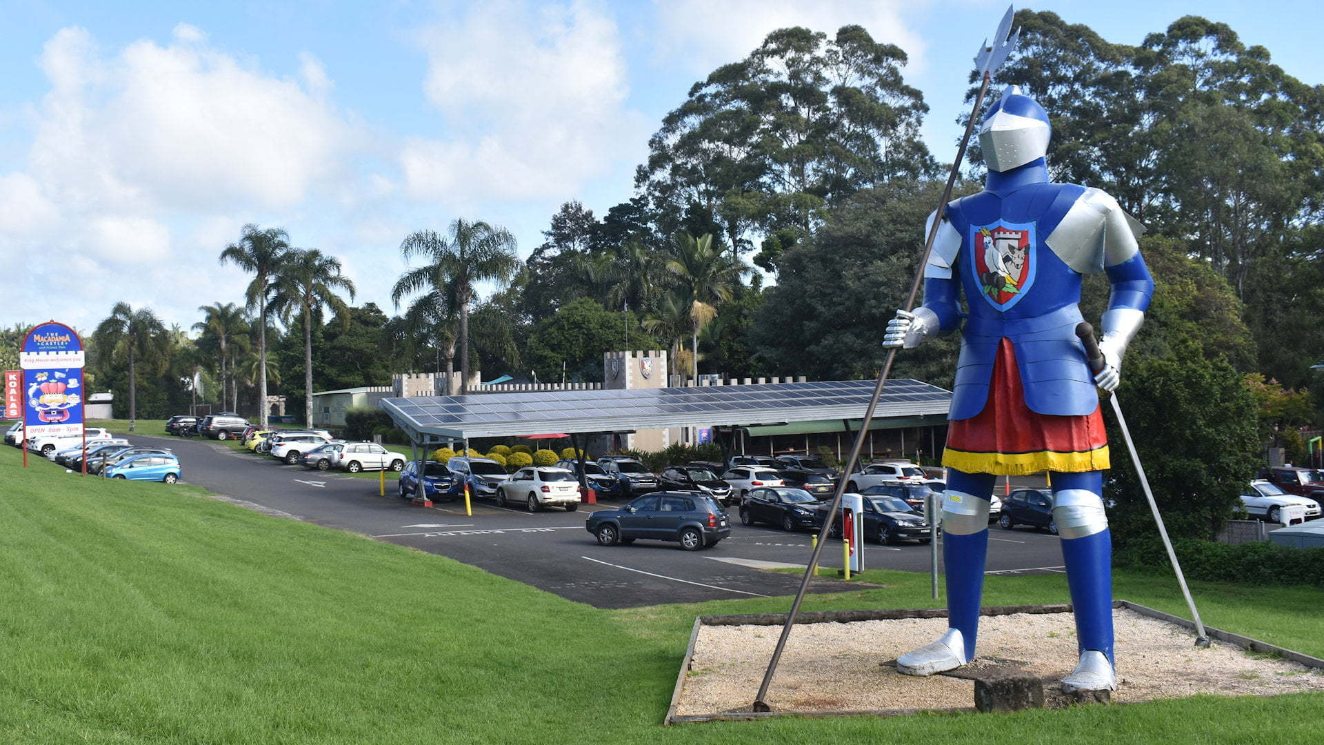 The Big Knight, one of Australia's big things outside the Macadamia Castle north of Ballina