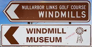 Brown sign for Windmills and Windmill Museum