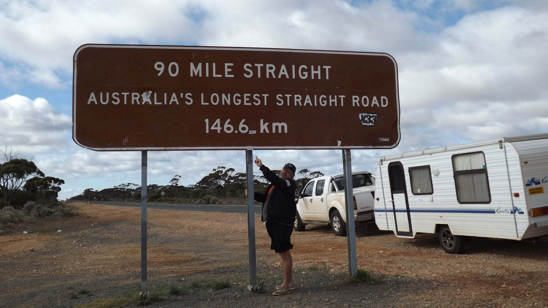 90 Mile Straight, Australia's Longest Straight Road, 146.6km, at the western end at Balladonia Western Australia