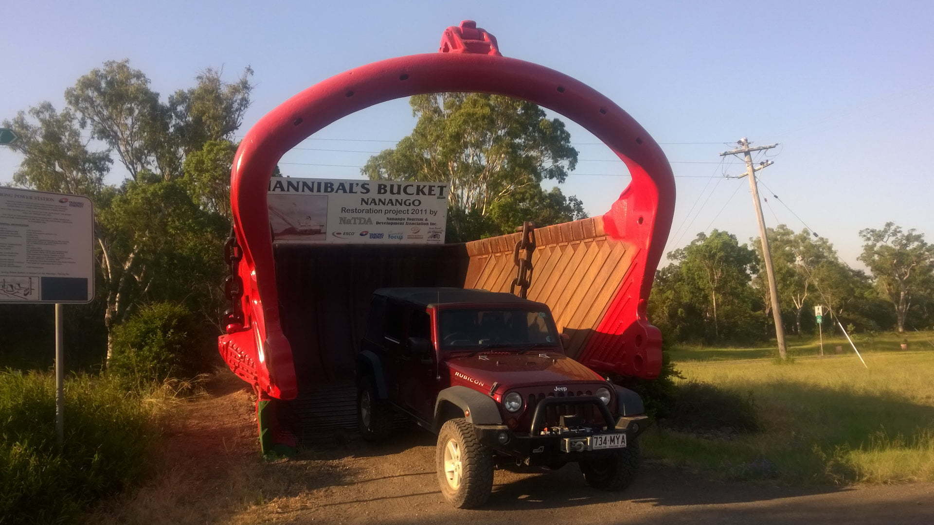 Big Hannibal's Bucket in Nanango with a Jeep JK Rubicon parked partly in the bucket