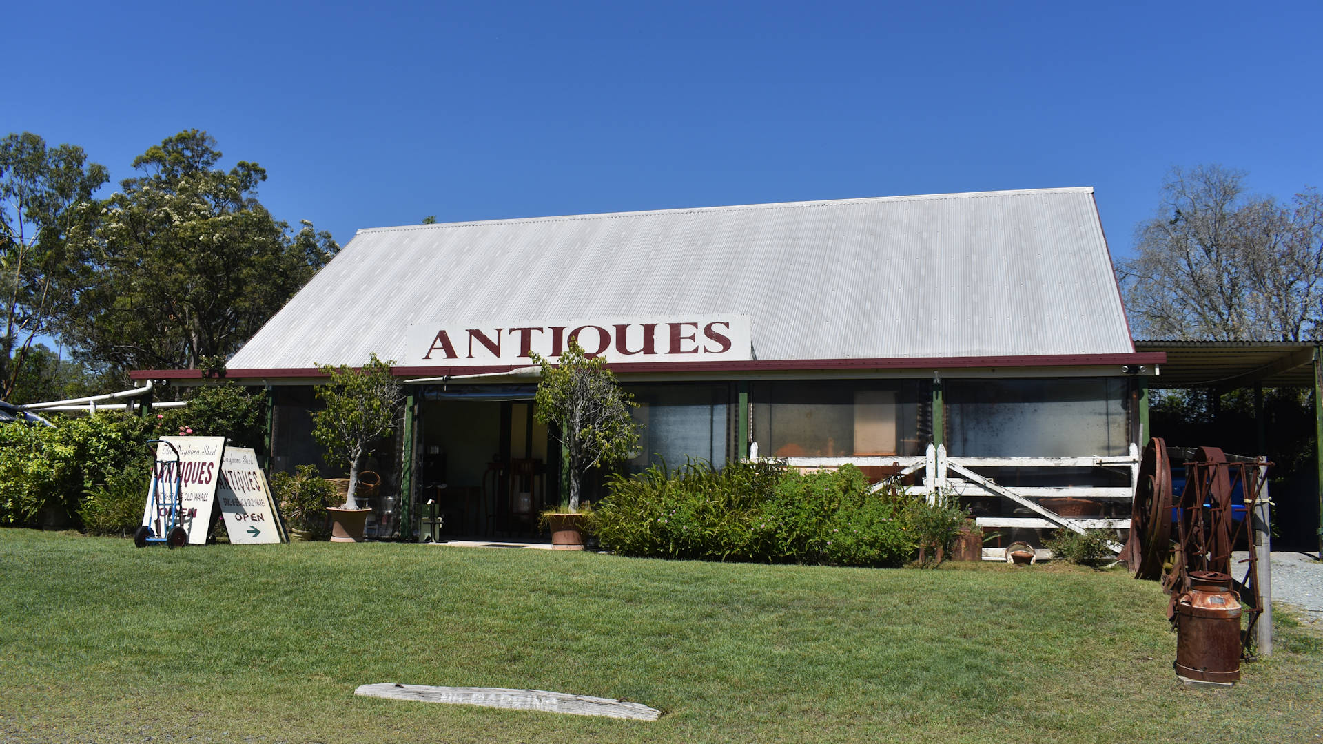 Front of the building at The Dayboro Shed Antiques